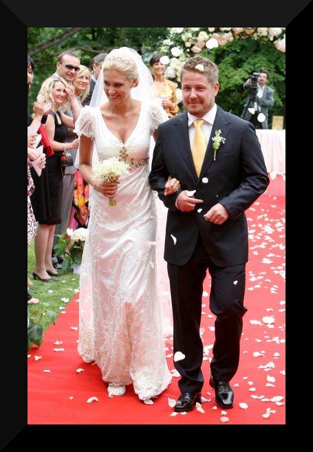 Svatby českých a slovenských osobností - Kateřina Průšová & Václav Konvalinka- 14.6. 2008 na zámku Mcely nedaleko Nymburka