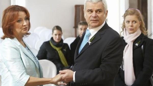 Svatby z filmů :) - Ordinace v růžové zahradě- Běla Páleníková a Eduard Valšík
