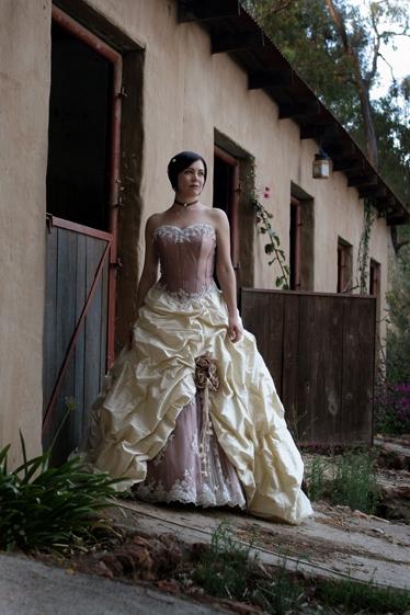 Svatební šaty - růžové i červené až do bordó - Obrázek č. 502