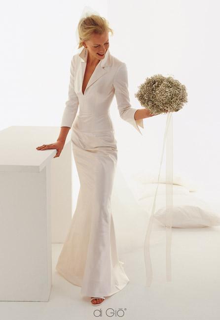 Inspiracie - svadobne saty - Le Spose di Gio - Classic 11 - trosku akoby sestrickovske, ale roztomile. kytica je uzasna!