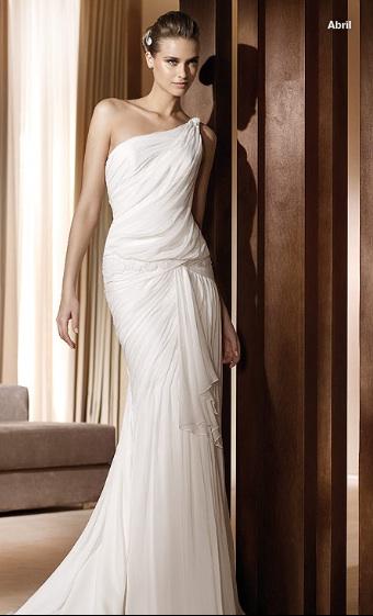 Inspiracie - svadobne saty - Pronovias 2011 - Fashion collection - Abril A - tieto by boli super popolnocne a zaroven nositelne aj na ine prilezitosti