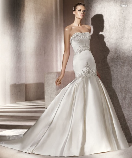 Inspiracie - svadobne saty - Pronovias 2012 - Costura collection - Pinal A - opat super material. chcelo by to dlhe rukavice po laket, vyrazne nausnice a ozdobu cez celo a hned by to malo taky jemne orientalny smrnc