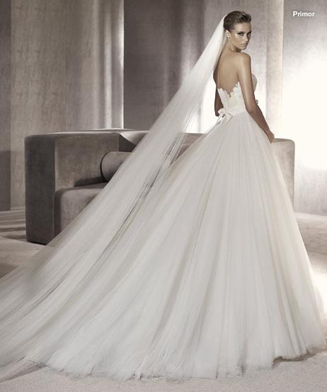 Inspiracie - svadobne saty - Manuel Mota for Pronovias 2012 - Primor B - neviem sa rozhodnut ci mi tam ten zavoj vadi, alebo naopak