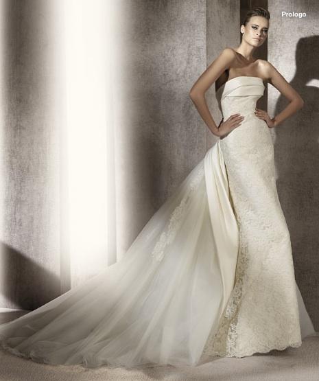 Inspiracie - svadobne saty - Manuel Mota for Pronovias 2012 - Prologo A - dvihnuta vlecka - moja srdcovka. krasna kombinacia viacerych materialov, velmi sofistikovane az aristokraticke