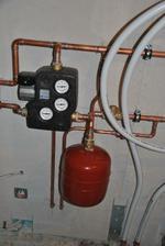 Expanzka, čerpadla, sestava pro by-pass a vývody pro topení do garáže, časem se může hodit :-)