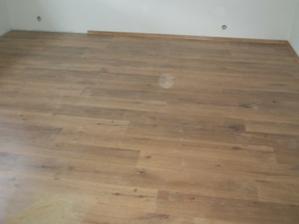 Podlaha v pracovně