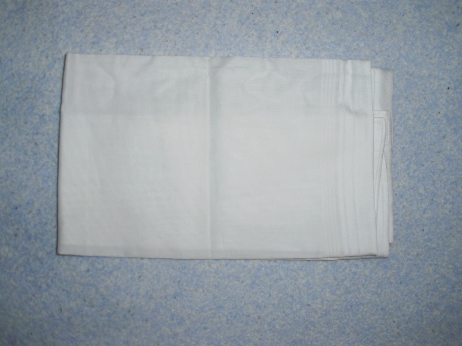 Pripravený a nachystaný - biela vreckovka