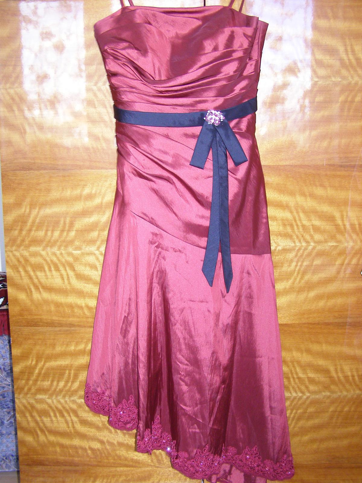 Pripravený a nachystaný - šaty na prezlečenie