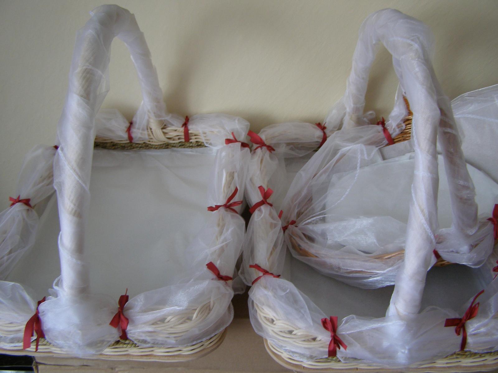 Pripravený a nachystaný - košíky na zákusky pre ľudí na ulici