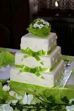 Dort by měl být bílý, se světle zelenou stužkou a s bílými kalami..