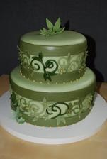Tak a dnes sme sa rozhodli, že výzdoba bude predsa len zelená! A táto torta mi padla do oka hneď ako som ju zbadala...