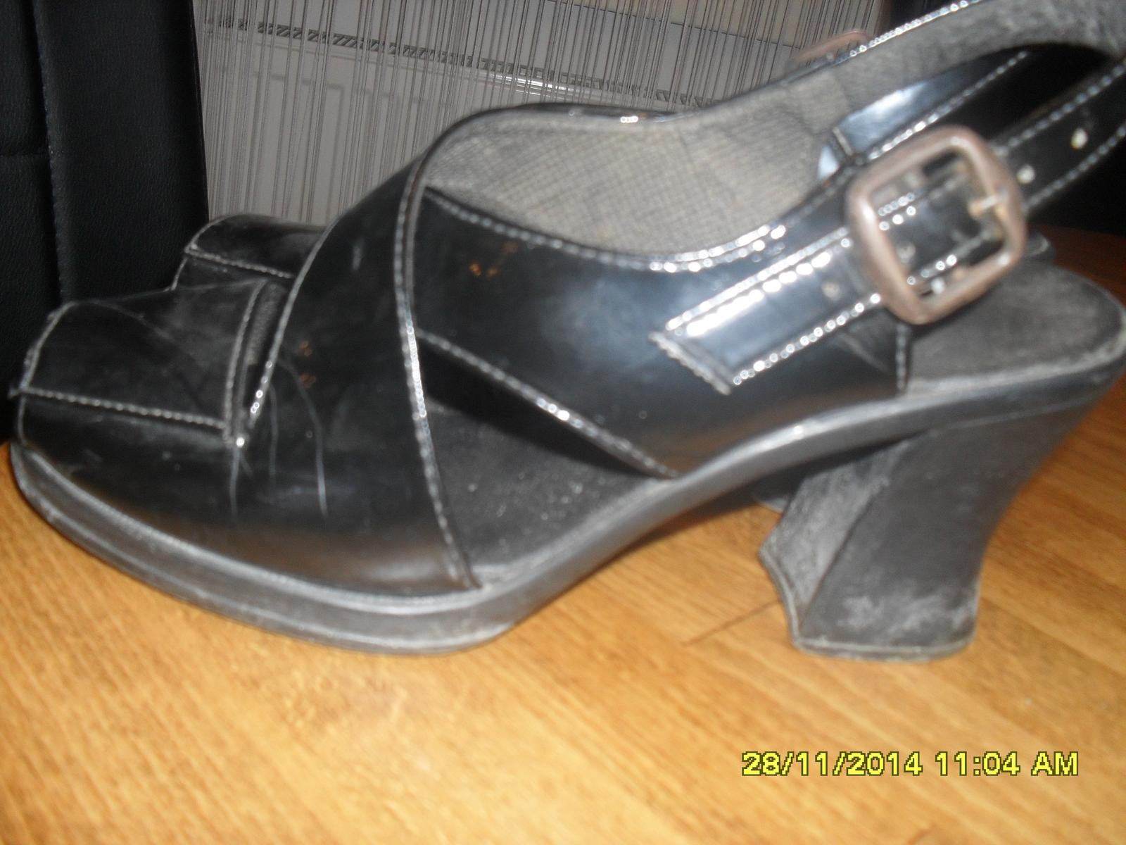 čierne sandále 38 - Obrázok č. 1