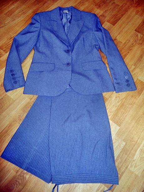 Sivý kostým zn. Quelle - Obrázok č. 1