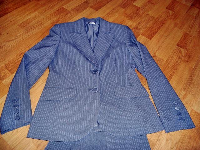 Sivý kostým zn. Quelle - Obrázok č. 2