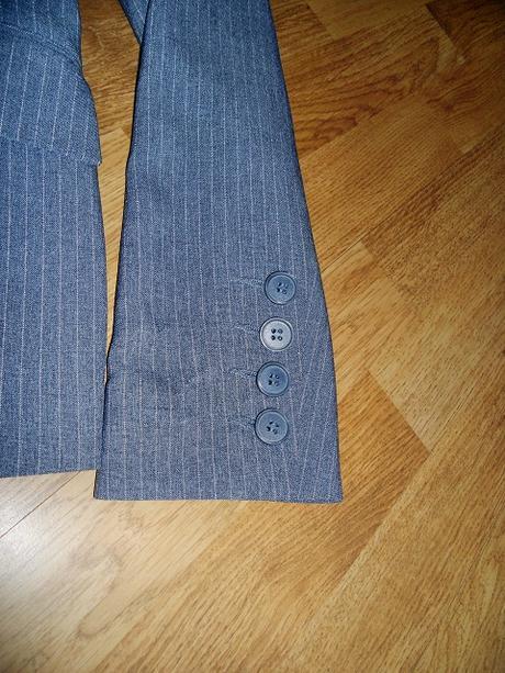 Sivý kostým zn. Quelle - Obrázok č. 4