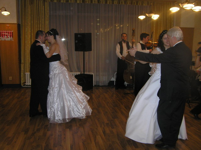 Iveta & Vladino{{_AND_}}Janka & Karel - prvy tanec