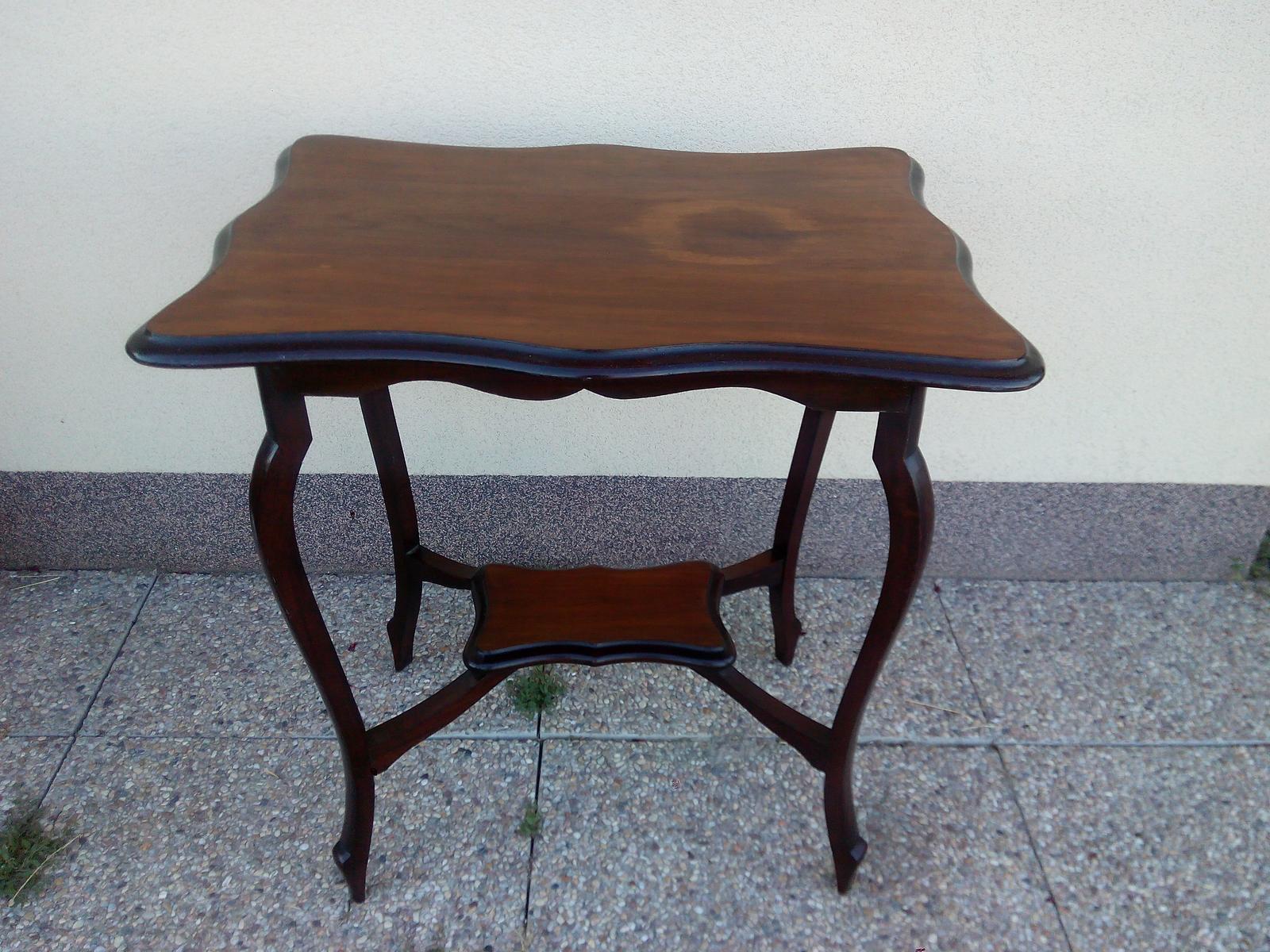 Obřadní stolek vintage, starožitný - Obrázek č. 1