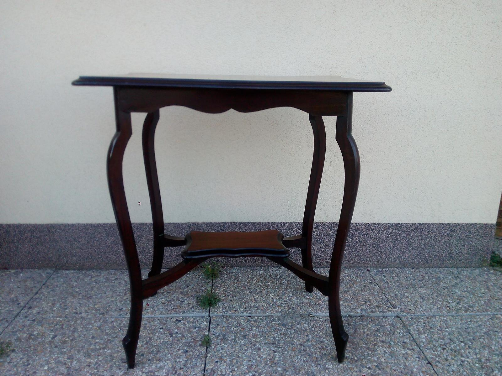 Obřadní stolek vintage, starožitný - Obrázek č. 3