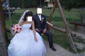 ľahučké svadobné šaty , 40