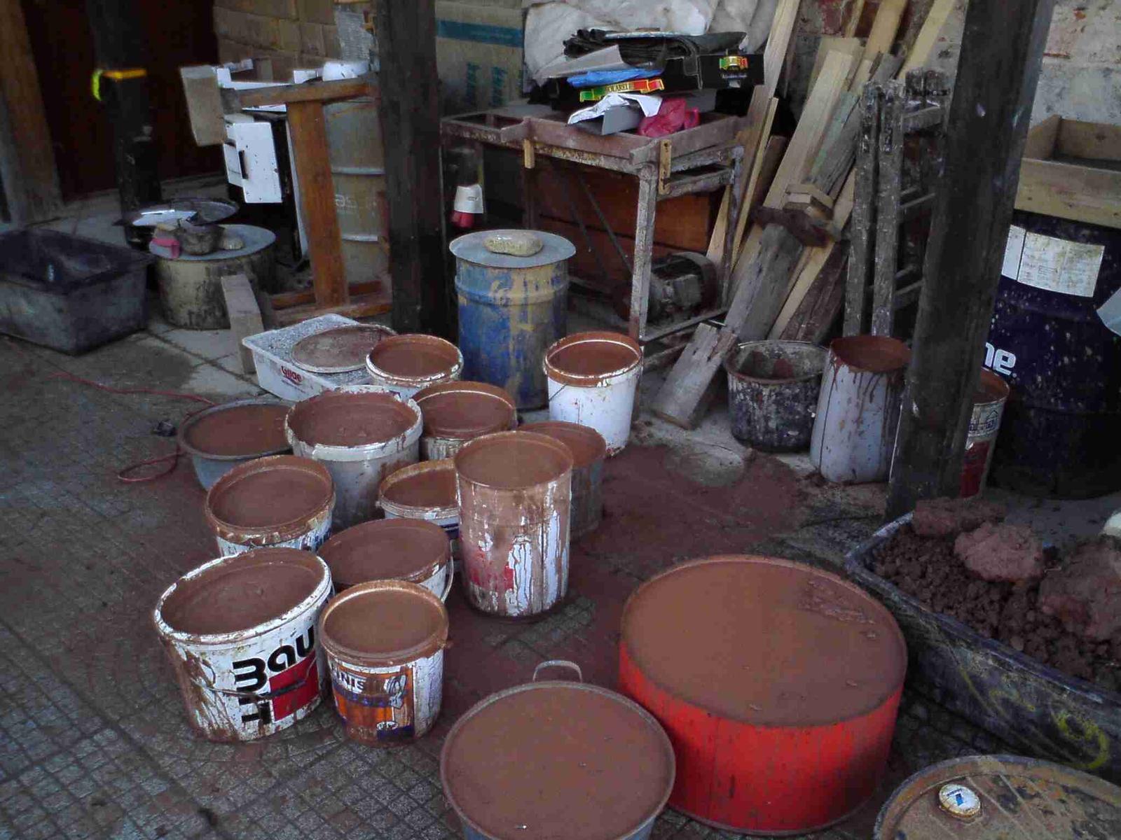 Hlinené omietky a podlahy svojpomocne. - Separovanie ílu na hrubé, jemné a veľmi jemné zrno, pre rôzne využitie.