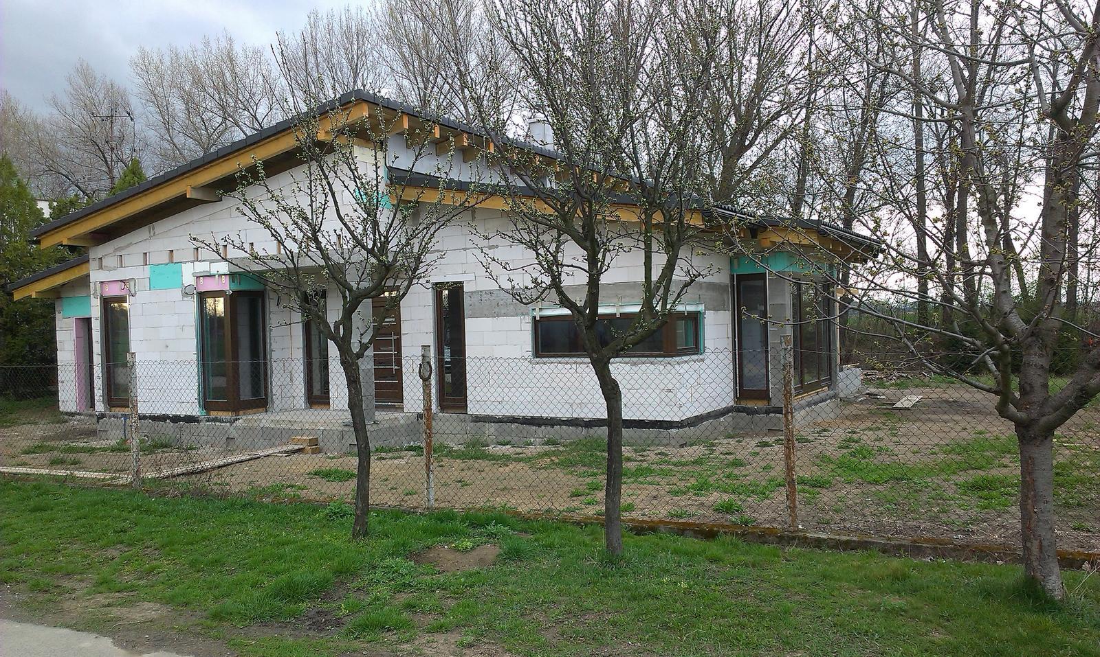 Bungalov s pultovymi strechami - Obrázok č. 58
