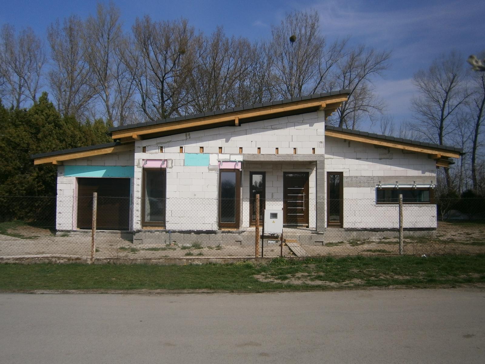 Bungalov s pultovymi strechami - Obrázok č. 57