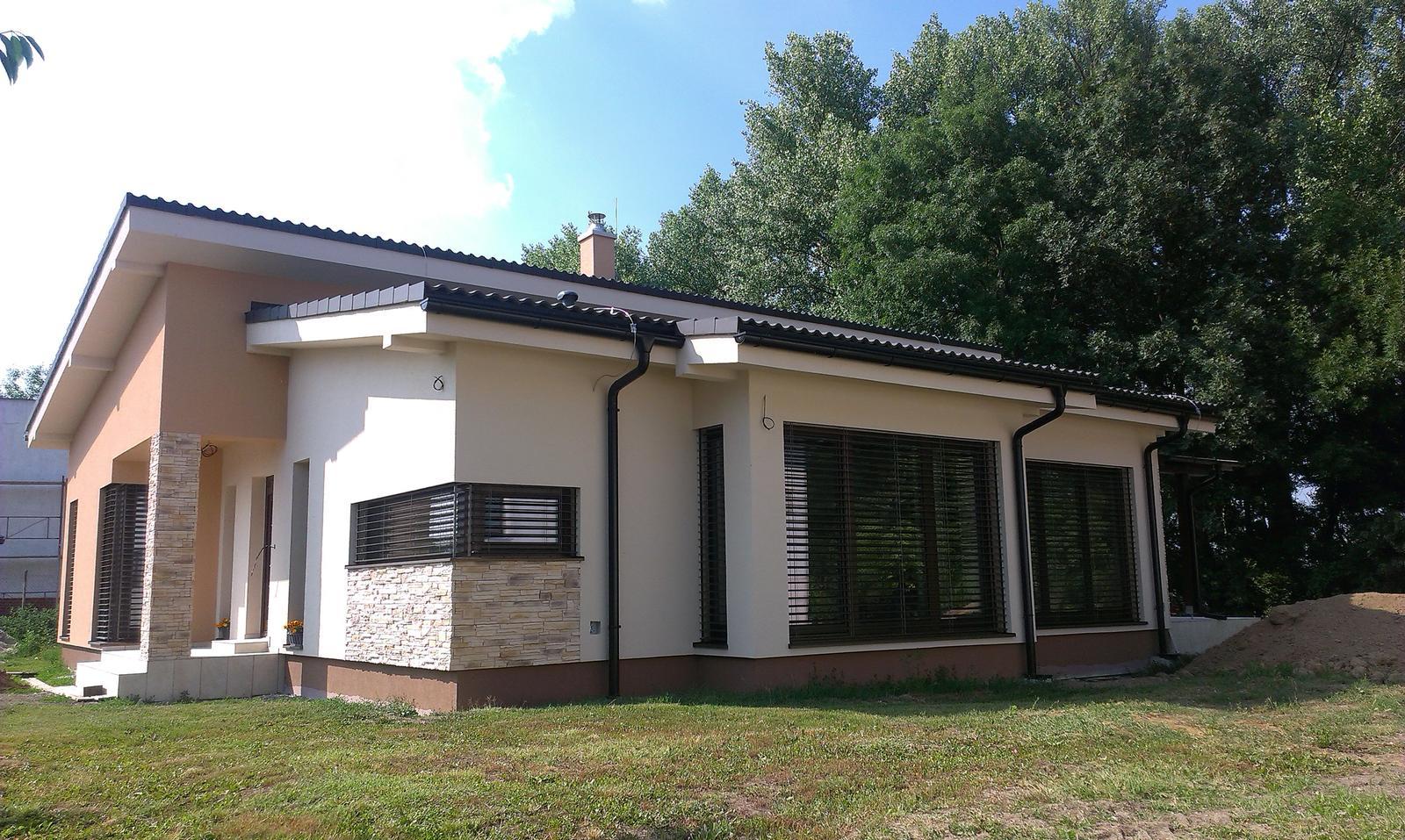 Bungalov s pultovymi strechami - Obrázok č. 100