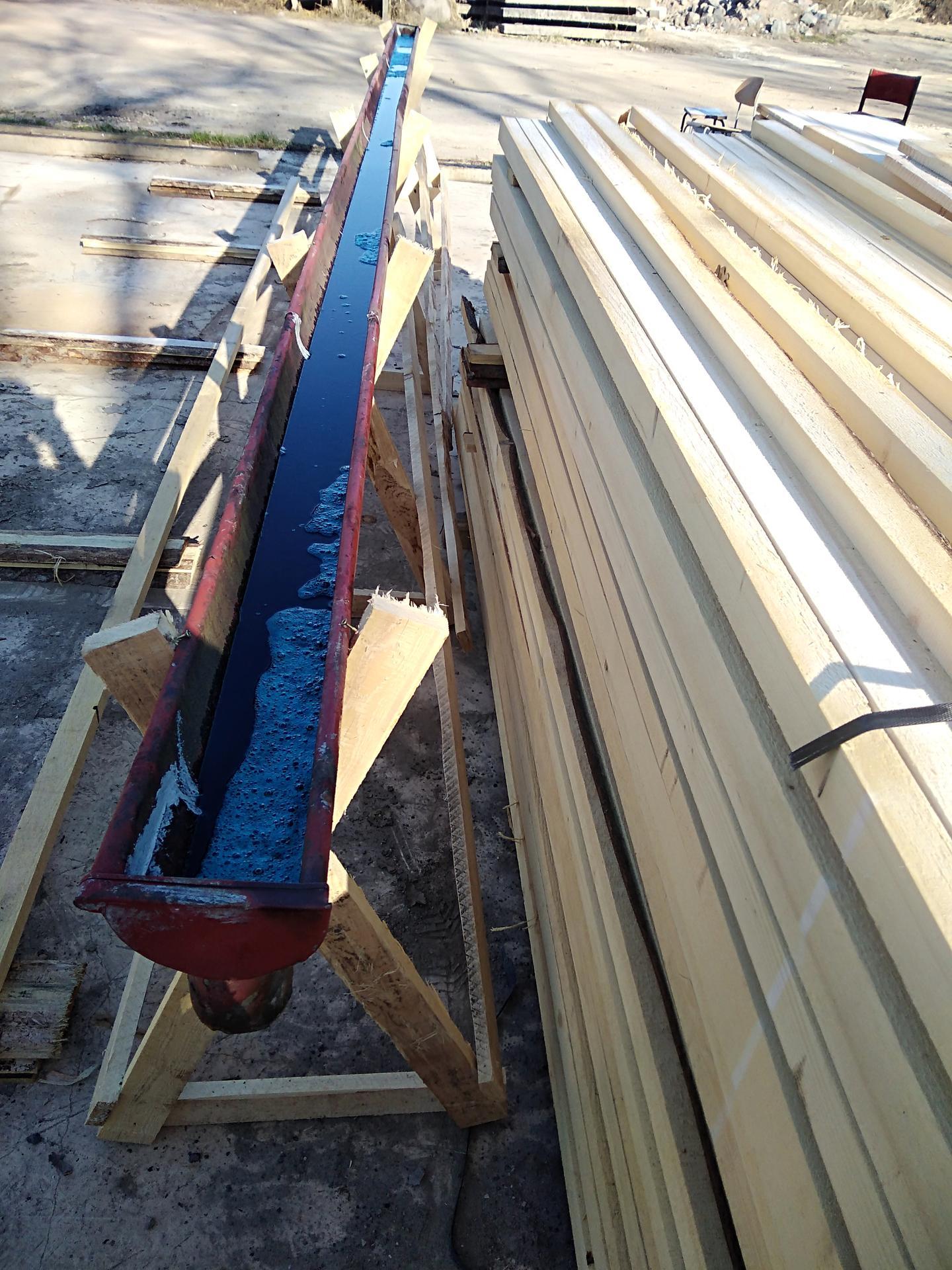Výzva roku 2020  - střecha 450 m² SVÉPOMOCÍ - latě jsme namáčeli