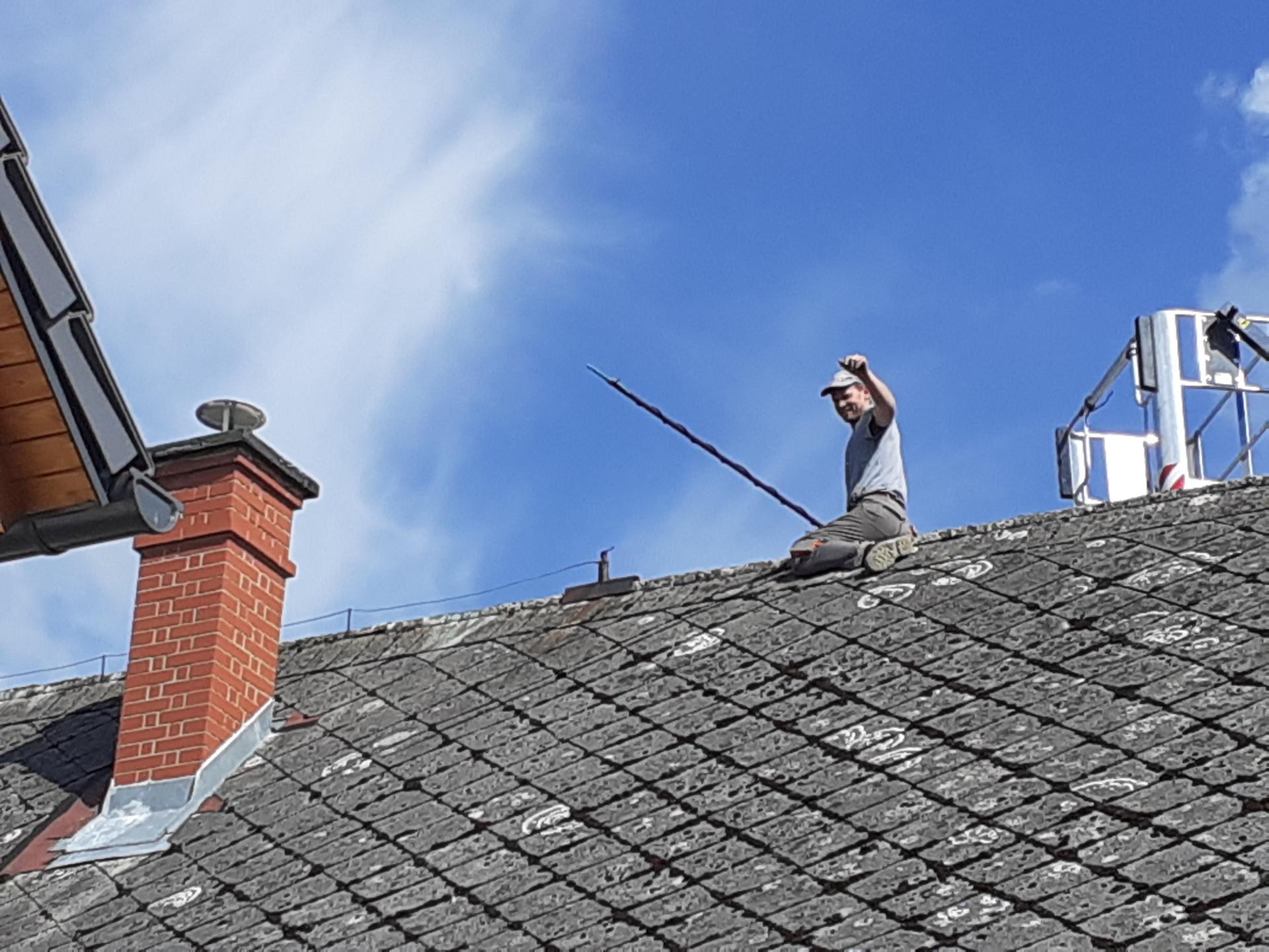 Výzva roku 2020  - střecha 450 m² SVÉPOMOCÍ - hromosvody dolůůůů