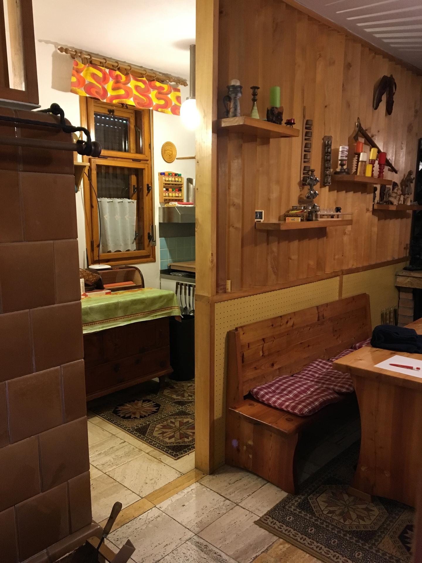 Tam, kde to milujem 🧡 - Pôvodný stav kuchyňa
