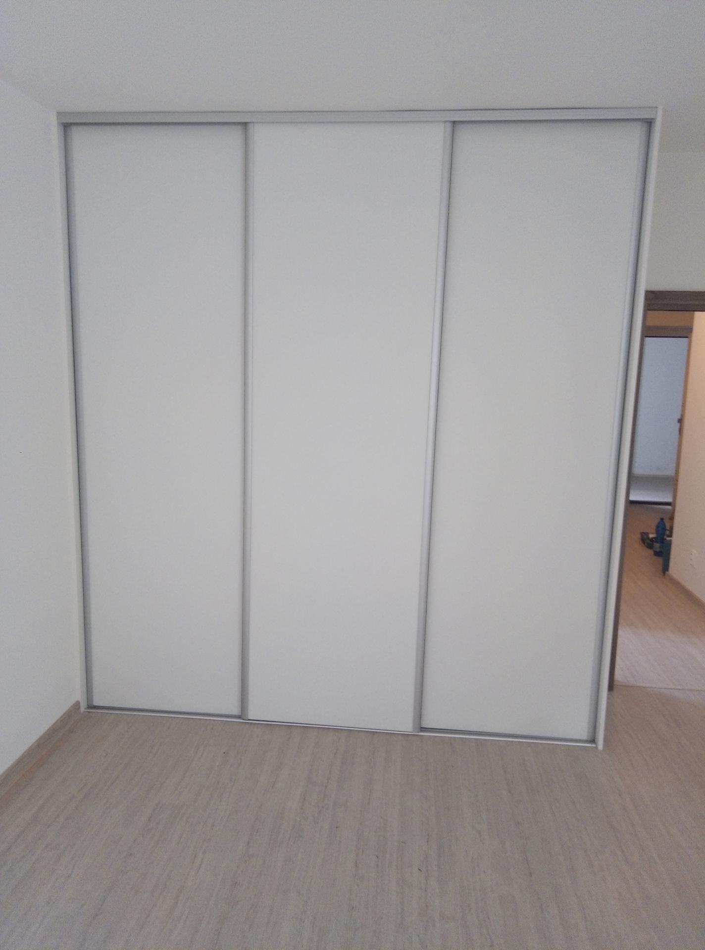 Vstavané skrine - Obrázok č. 3