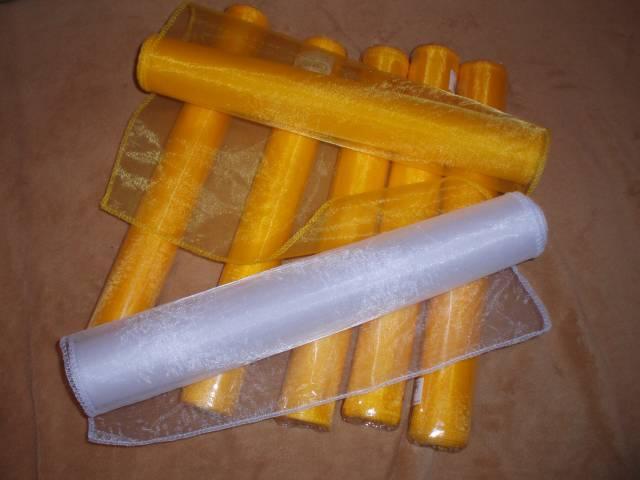 Lucka a Tonko 6. 9. 2008 - ... žltá orgazma na výzdobu stolov a biela na auto ...