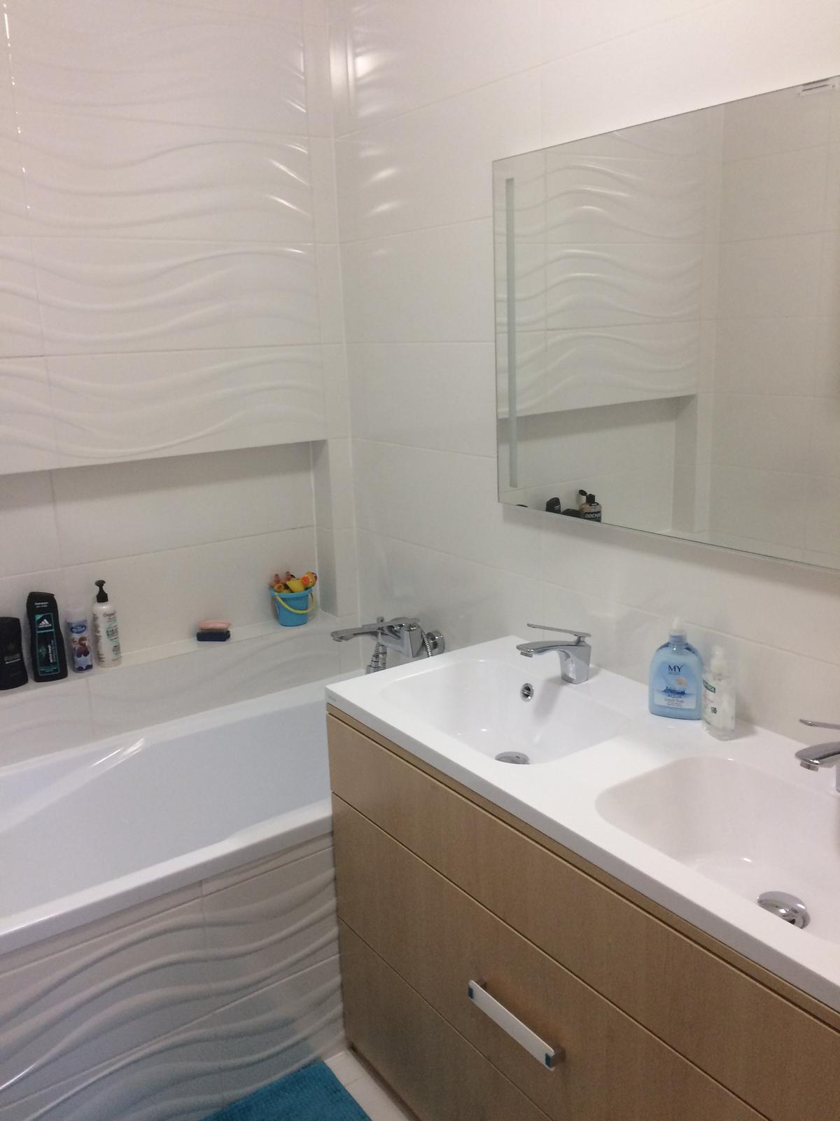 Naše 4+1 v paneláku - Koupelna
