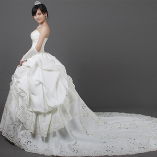 Svadobné šaty, čo sa mi páčia :) - Obrázok č. 8