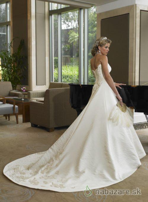 Svadobné šaty, čo sa mi páčia :) - Obrázok č. 13