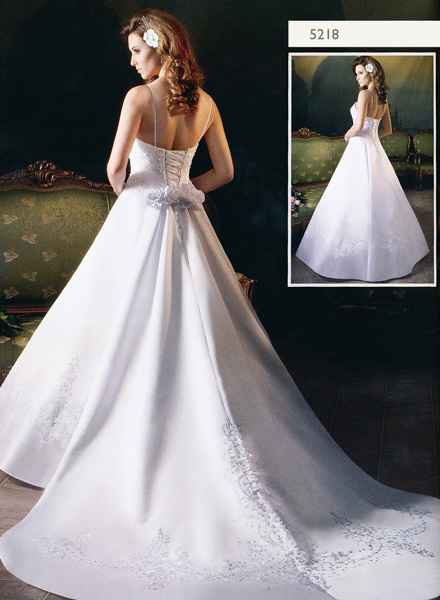 Svadobné šaty, čo sa mi páčia :) - Obrázok č. 18