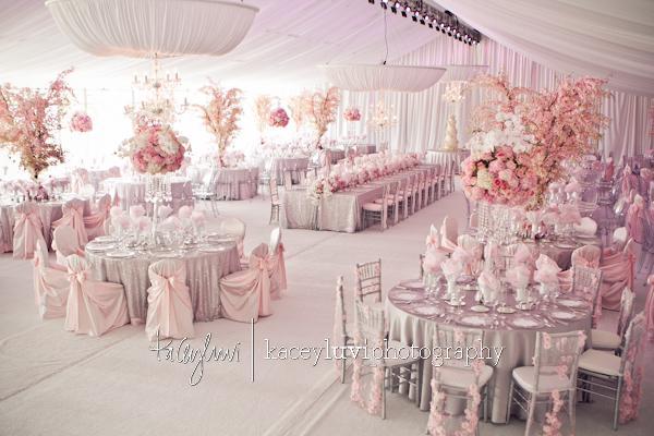 Once upon a time...my wedding dreams - nevesta sa asi nevedela rozhodnúť ako ozdobí stoličky, preto sú pri každom stole iné :D