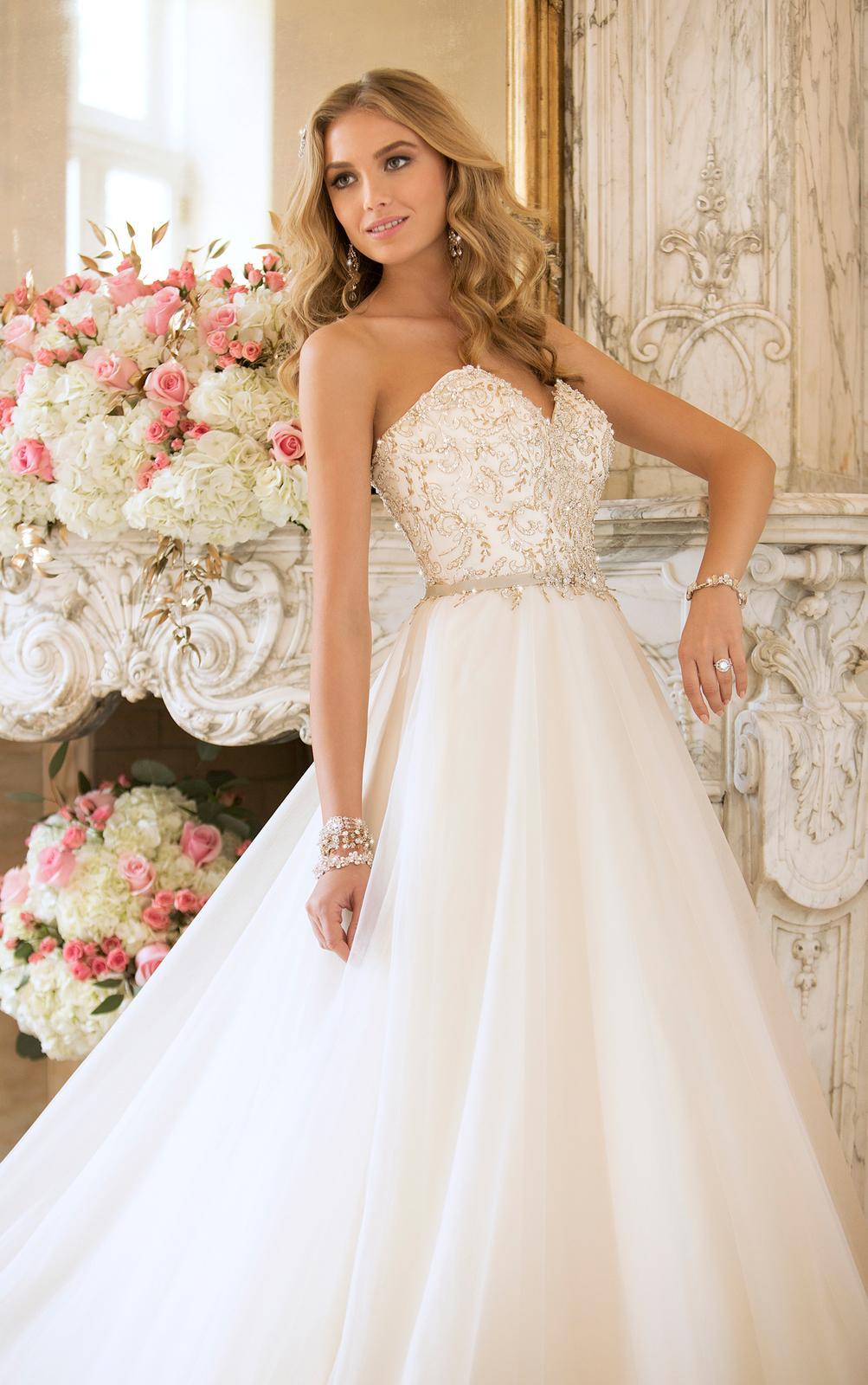 Svadobné šaty, čo sa mi páčia :) - Obrázok č. 21
