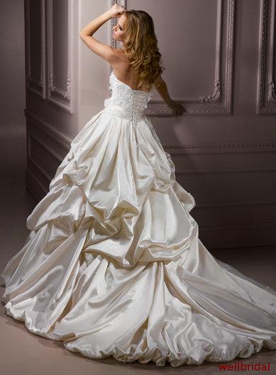 Svadobné šaty, čo sa mi páčia :) - Obrázok č. 22
