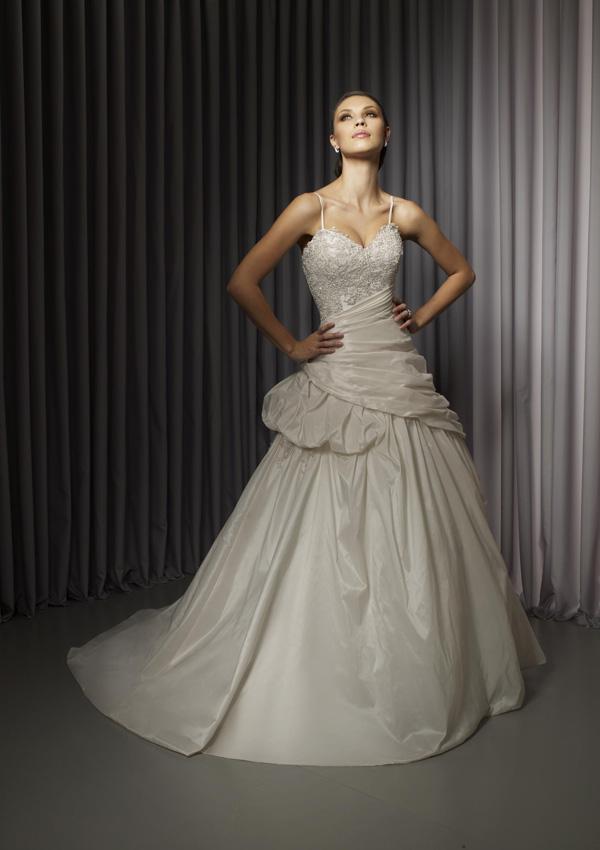 Svadobné šaty, čo sa mi páčia :) - Obrázok č. 23