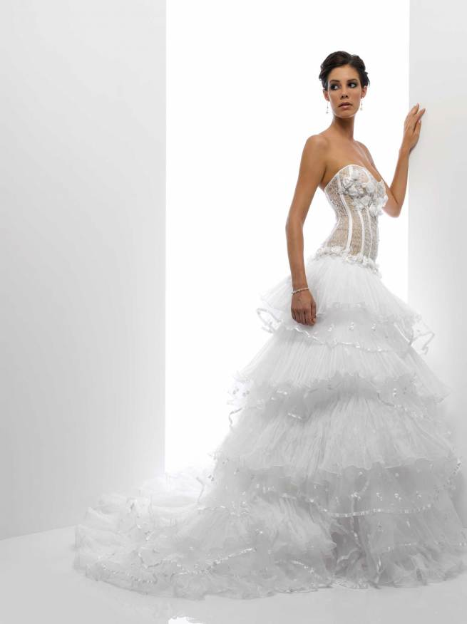 Svadobné šaty, čo sa mi páčia :) - Obrázok č. 27