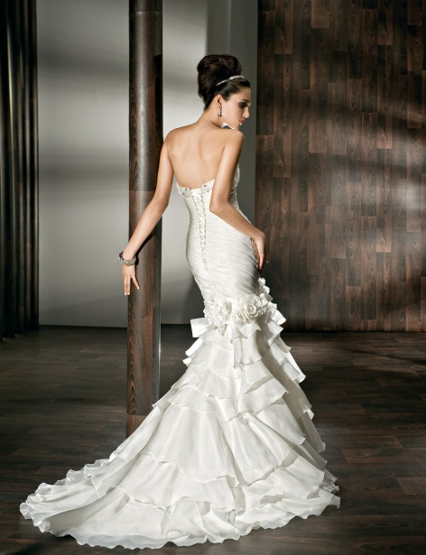 Svadobné šaty, čo sa mi páčia :) - Obrázok č. 31