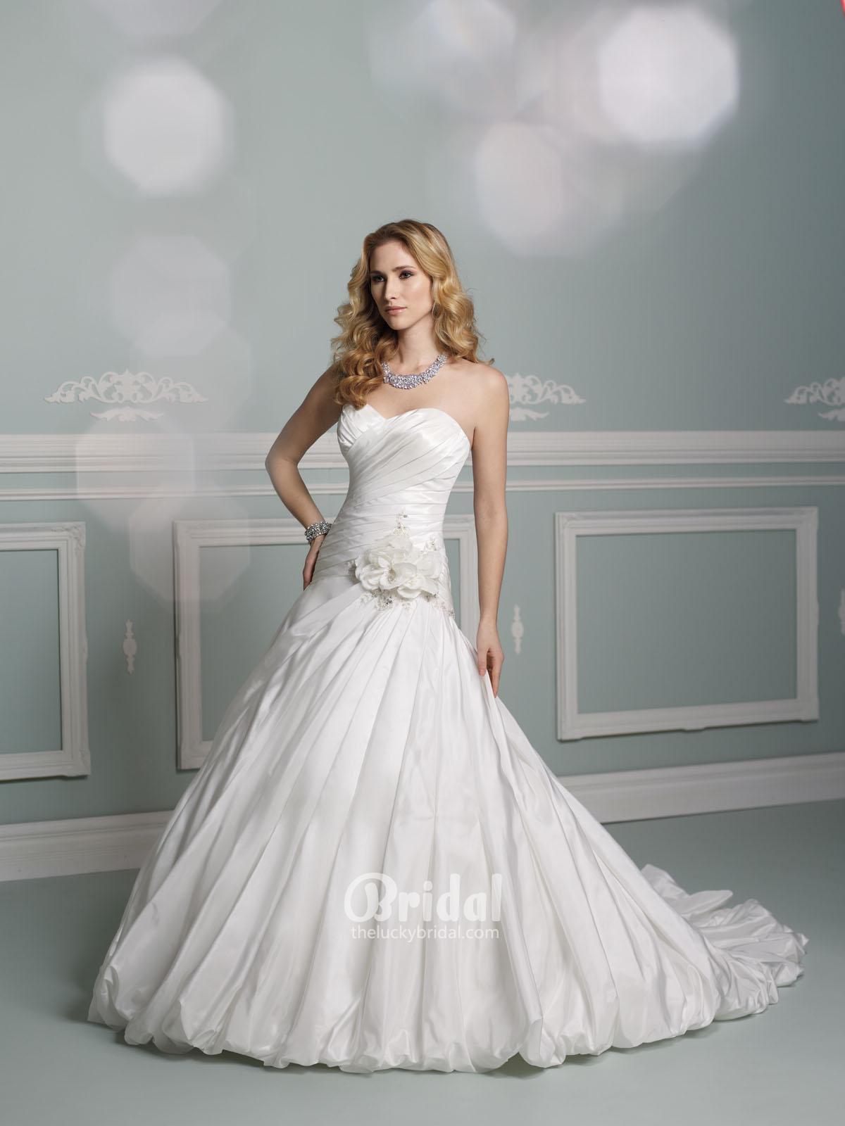 Svadobné šaty, čo sa mi páčia :) - Obrázok č. 35