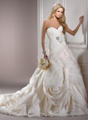 Svadobné šaty, čo sa mi páčia :) - Obrázok č. 42
