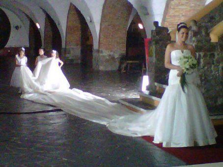 Svadobné šaty, čo sa mi páčia :) - Obrázok č. 49