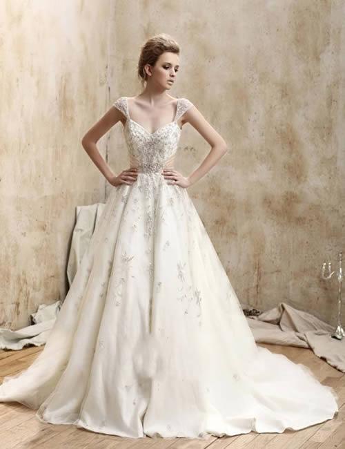 Svadobné šaty, čo sa mi páčia :) - Obrázok č. 64