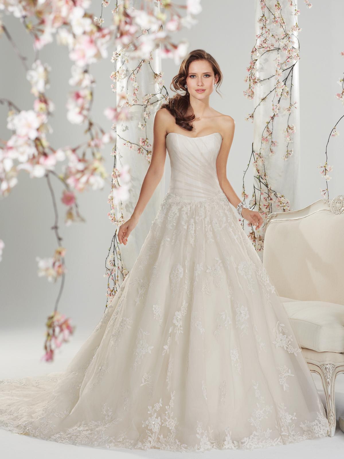 Svadobné šaty, čo sa mi páčia :) - Obrázok č. 68