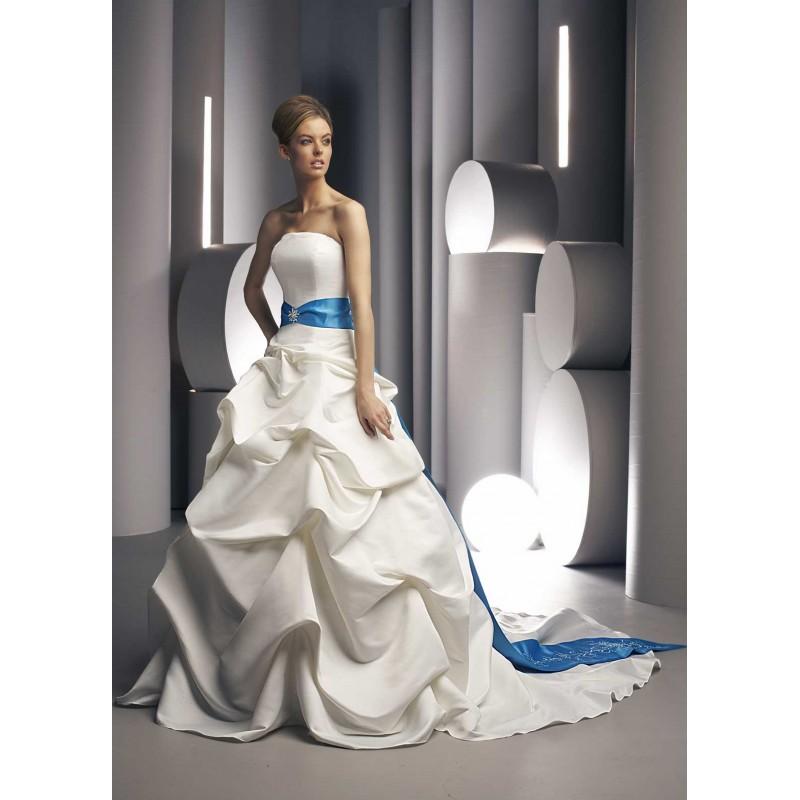 Svadobné šaty, čo sa mi páčia :) - Obrázok č. 85