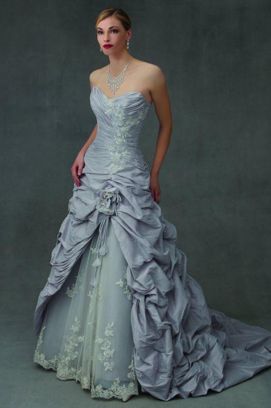 Svadobné šaty, čo sa mi páčia :) - Obrázok č. 97