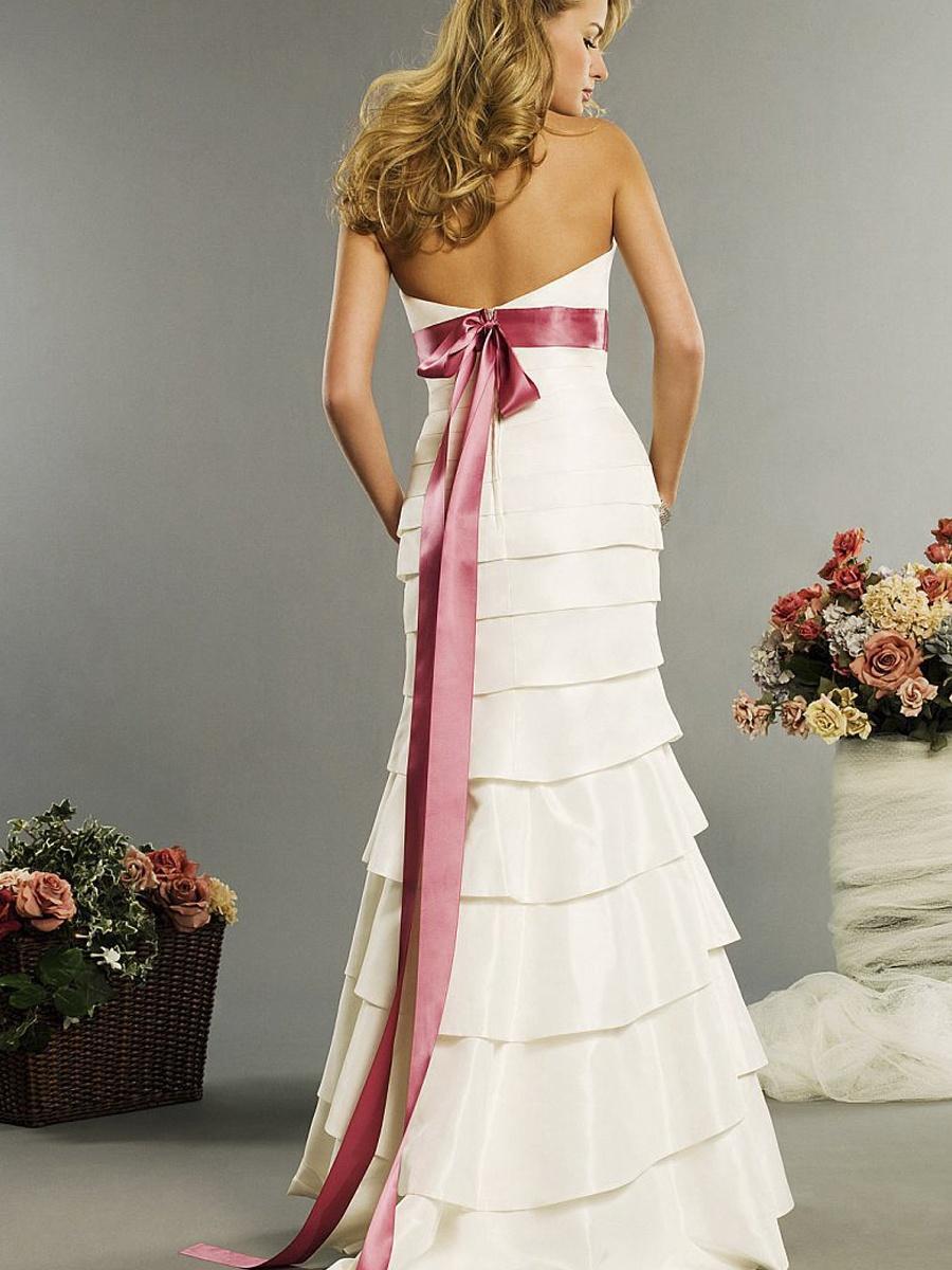 Svadobné šaty, čo sa mi páčia :) - Obrázok č. 100